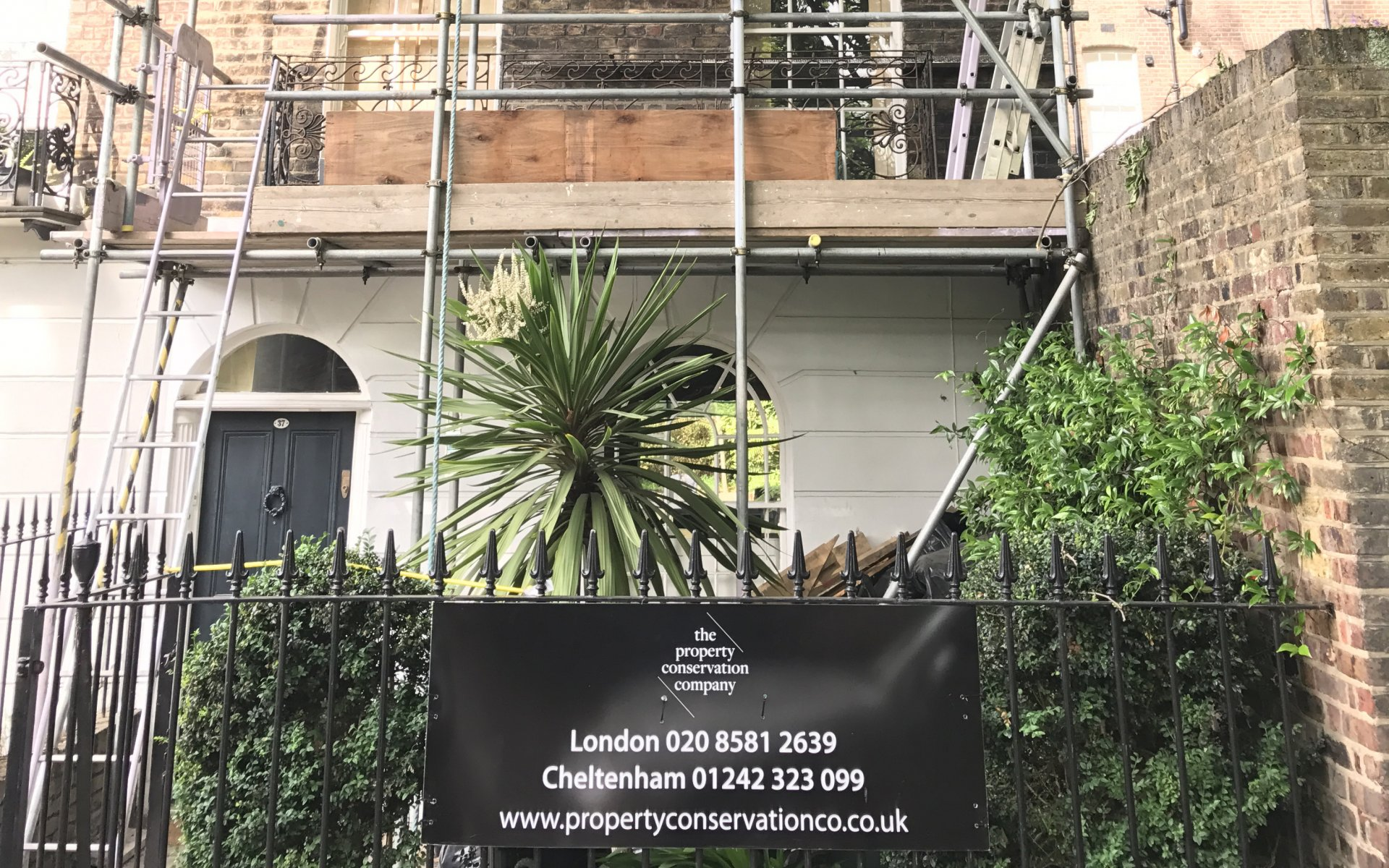 Complete external renovation of a Grade II listed building in Islington